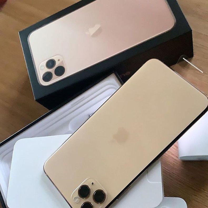 Apple iPhone 11 Pro Max - 256Gb - 14,608UNLOCKED