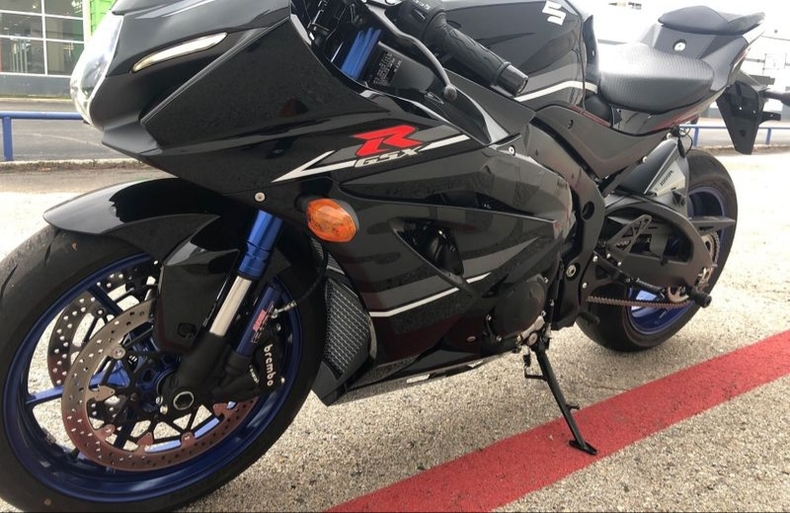 Suzuki gsx r1000cc available for sale