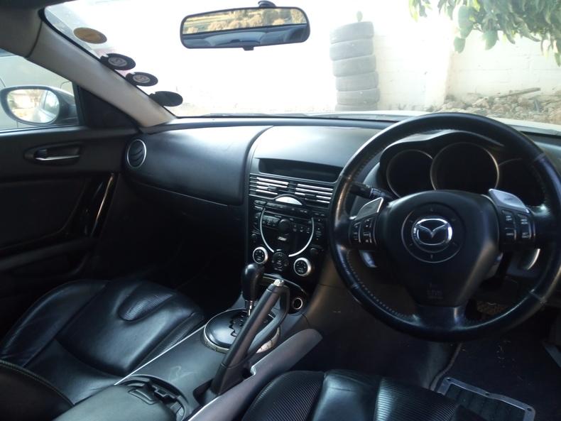 MAZDA RX-8 (SPORTS CAR)