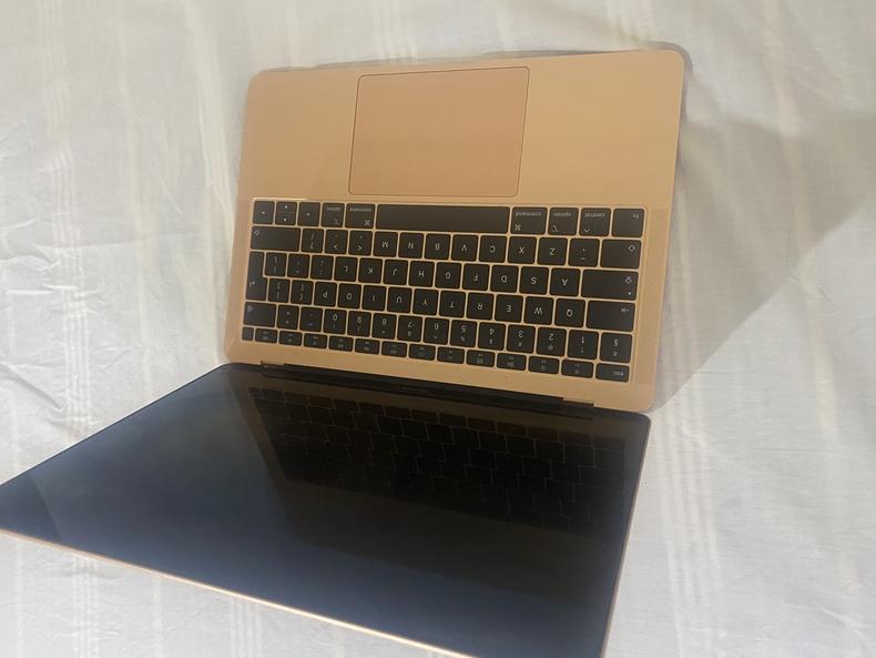 2019 MacBook Air 256gig