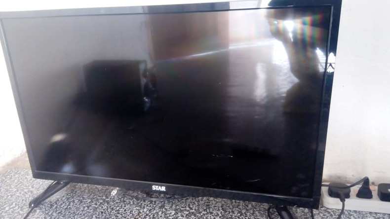 32 inch flat screen tv along with home theatre system