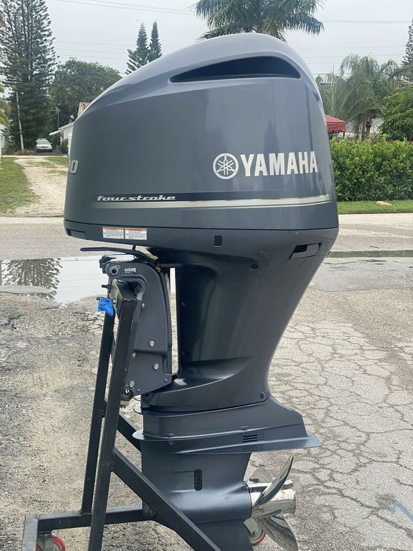 2018 Yamaha 300 HP Outboard Motor Engine