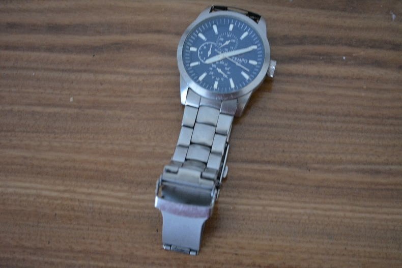 Tempo high Quality Silver Watch .