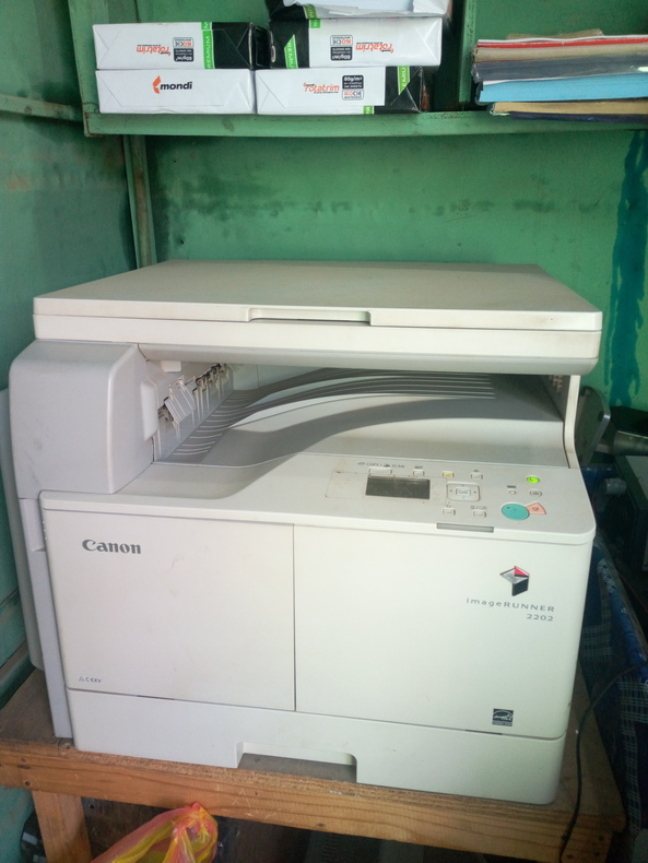 Am selling a copier Canon IR 2202
