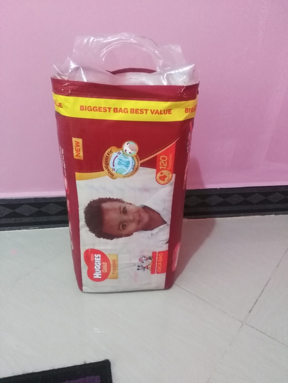 Diapers - Huggies Gold size 4+