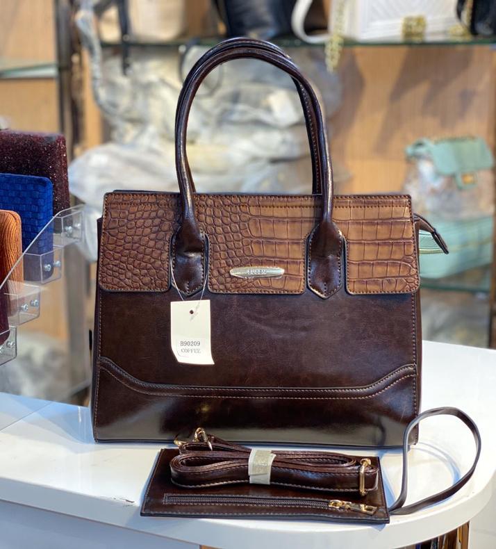 Ladies Quality Handbags 🔥 🔥